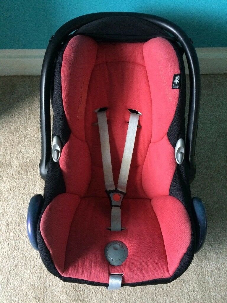 MAXI COSI car seat / for 2 pack of pampers / very fresh and clean BLACK RED sun cover