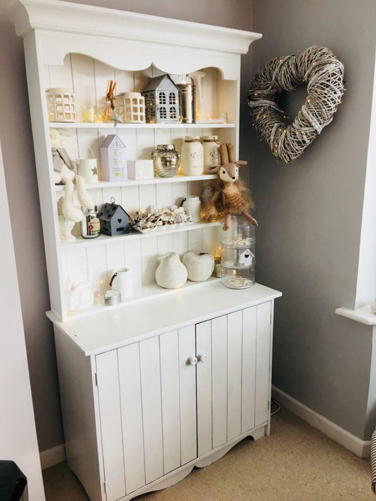 Gorgeous space saving white painted dresser Nordic shabby chic