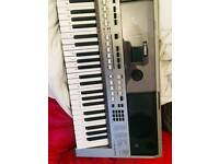 Yamaha PSR E443 keyboard - Mint Condition