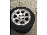 Saxo alloys and tyres