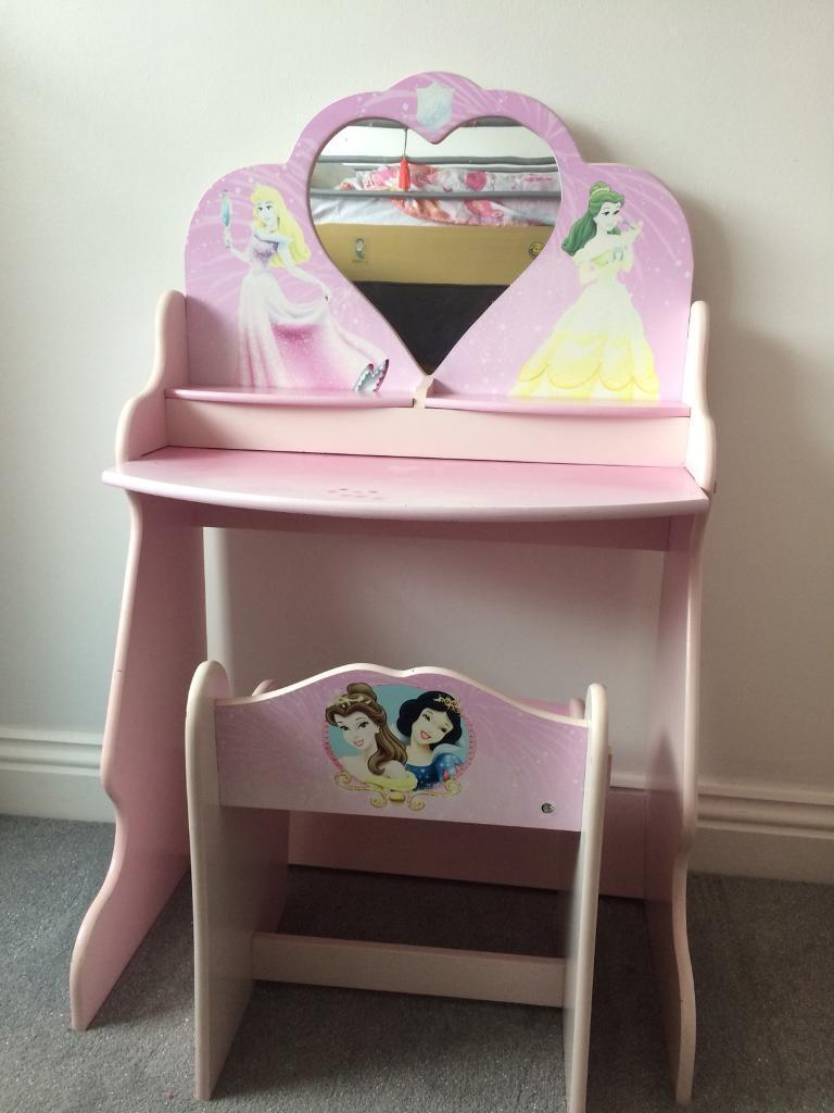 Children S Vanity Mirror Desk And Chair