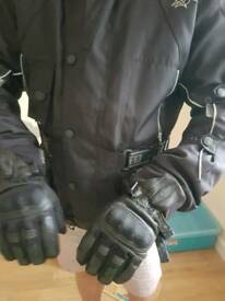 Motorcyclet jacket Akito and Ilano gloves