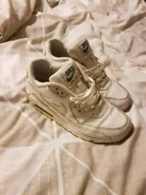 Nike air max white size 5