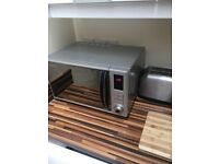 Russel Hobbs 23 litres microwave