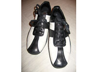 GUCCI Black & White Ladies Trainers UK size 5.5