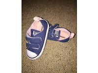 Navy blue toddler converse size 7 (eur 23)