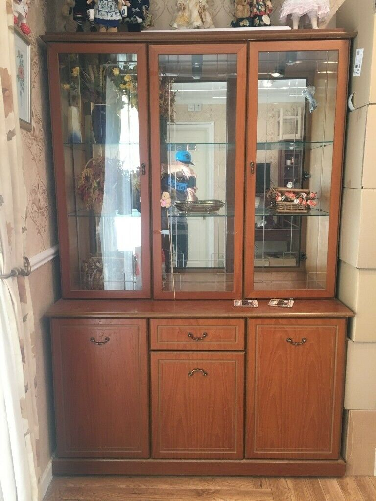 DISPLAY CABINETS / CAN SELL SEPARATE £20 BIG/ £20 ...