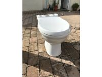 Free Toilet, white porcelain top button flush cistern in good condition with white pedestal sink