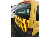 Peugeot Partner Car-Van Chevrons Bright Yellow Beacon On Roof