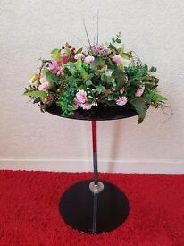Decotation flower and glass table