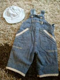 Newborn dungarees and hat