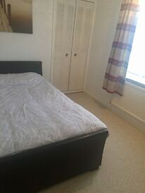A spacious double room for renting in a shared house ! £69 pw all bills included