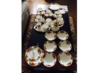 35 pieces Royal Albert old country roses coffee set