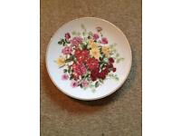 Franklin Mint The Majesty of Roses Plates