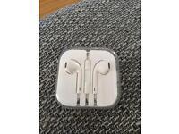 Genuine Apple EarPods with 3.5mm Headphone plug