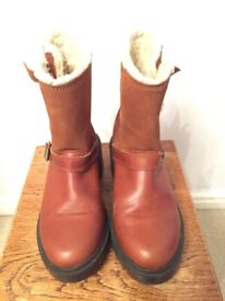 KICKERS TAN LEATHER AND SUEDE BOOTS SIZE 4