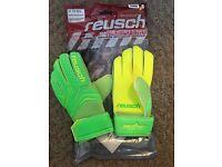 Reusch junior goalkeeper gloves ***new***