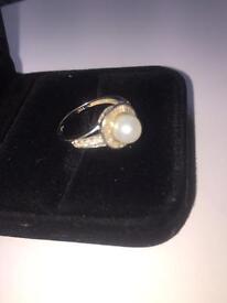18 crt white gold ring