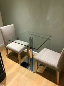 Dining table and 2x chairs