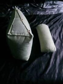 Wedge pillow/cushions