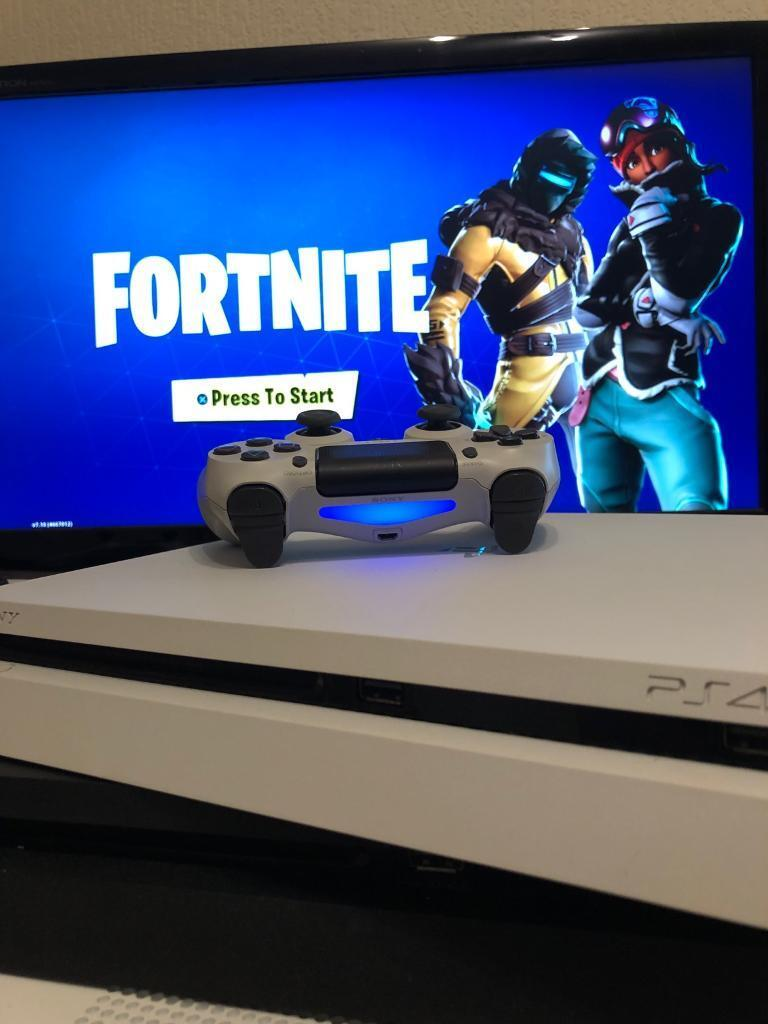 White slim PS4 500GB + Fornite warranty and receipt | in Leicester,  Leicestershire | Gumtree