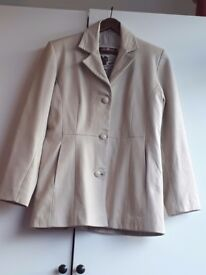 TAYLOR MADE CREAM SOFT LEATHER FITTED JACKET.