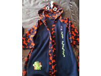 Mothercare Boys Blue Dinosaur Fleece Dressing Gown. Size: 3-4 years. Good condition