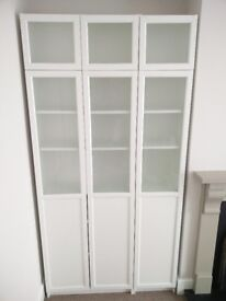 Nearly new IKEA Billy bookcase and Oxberg doors