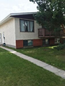 Don't Miss This!! ONLY $875 for 2 bed, 1.5 bath home! CALL NOW!