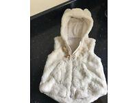 Baby Girls winter faux fur Next gillet / body warmer cream 12-18 Months mint condition