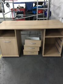 Office desk. Great condition
