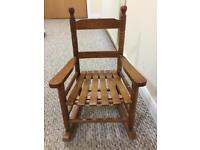 Wooden rocking chair for Toddler - Excellent condition