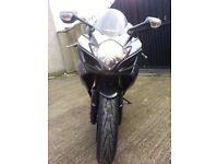 Suzuki Gsxr 600 k7 2007 black/red/white genuine very low mileage (3400) no px