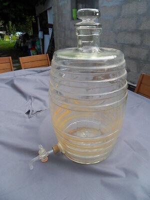 Old barrel tonneau fontaine parfum vinaigrier verre alcool eau cologne pharmacie
