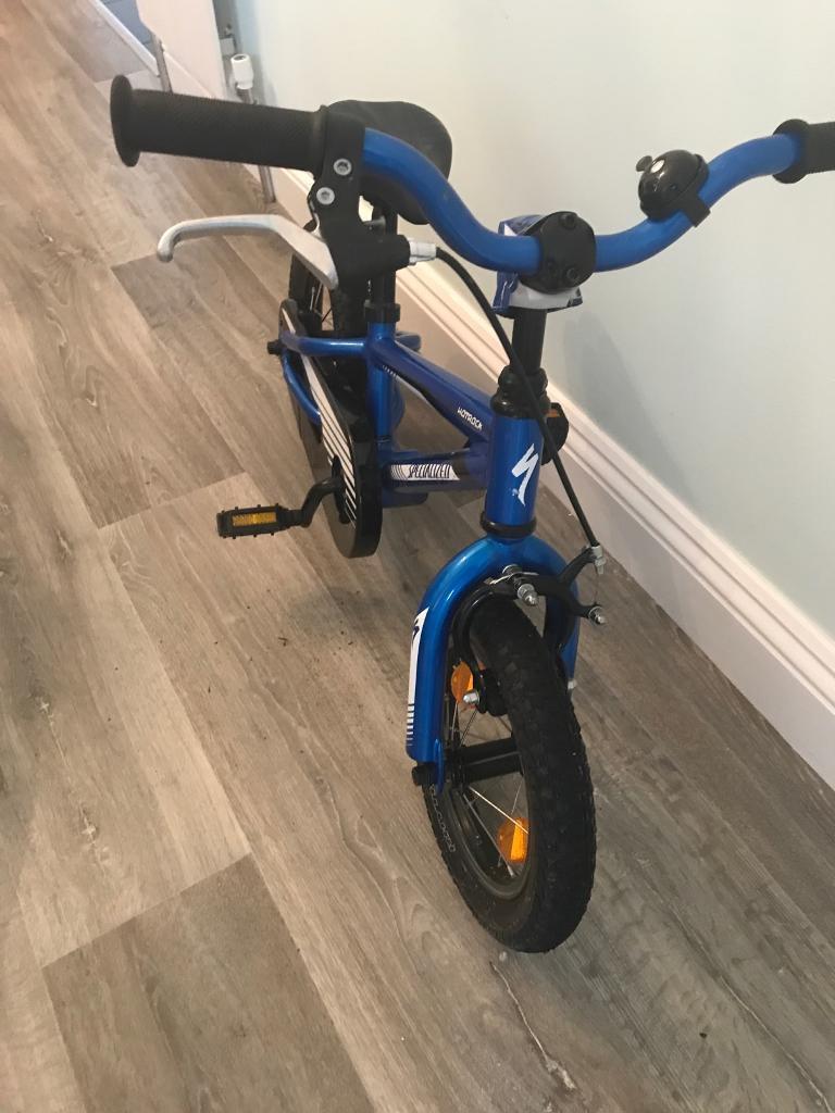 "Specialized Hotrock 12"" Bike with stabilisers."