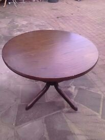 Round Table made of teak wood flexable to long table