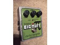 Big muff bass guitar fuzz pedal