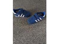 Adidas dragon infant trainers size 6