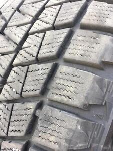 265/50/20 Bridgestone blizzak 10/32