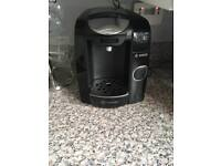 Black Bosch Tassimo Coffee Machine + 6 Latte Glasses With Stand