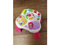 V-Tech play activity play station table in excellent condition £12