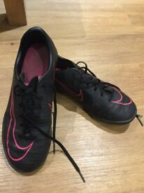 Nike mercurial trainers AstroTurf size 5 black with pink tick £7