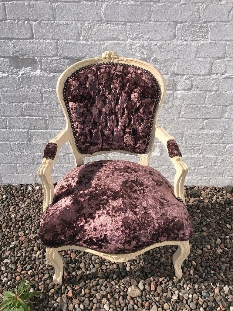 Antique style shabby chic arm chair
