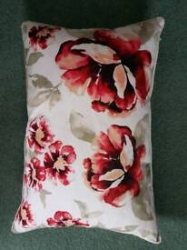 5 feather filled cushions