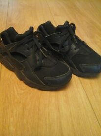 Navey huaraches size 13 £15 pick up £18 posted still £47 in schuh still like new