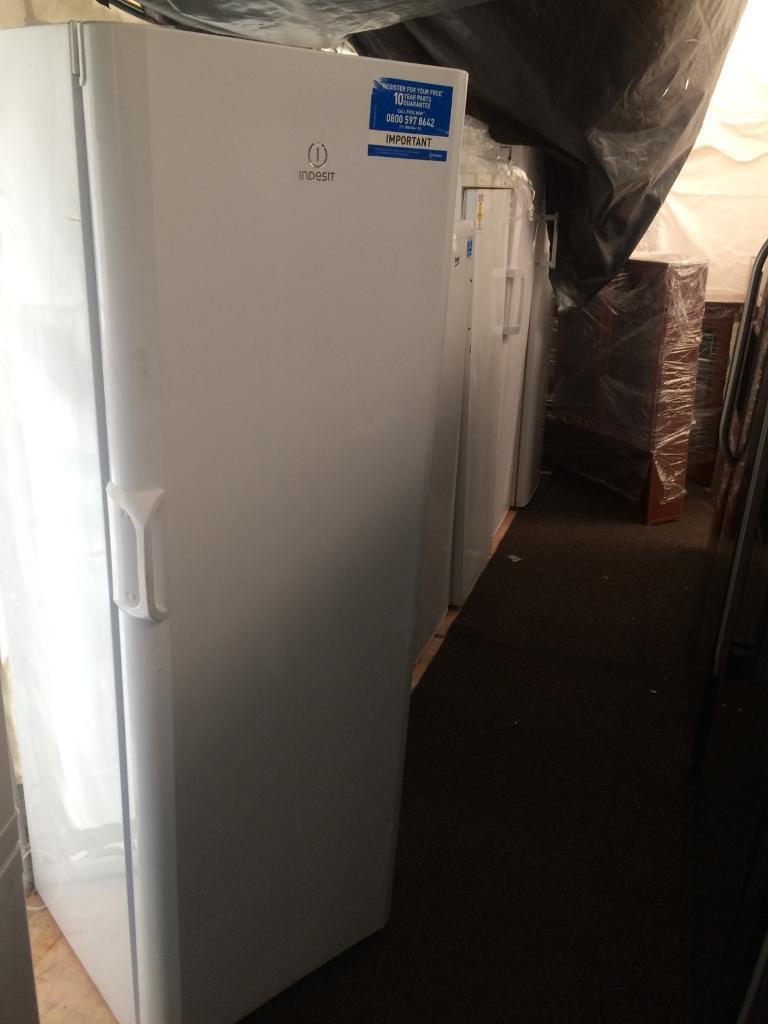 White indesit H 170cm W 60cm refrigerators good condition with guarantee bargain