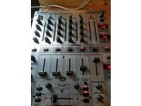 behringer DJX700 professional mixer