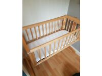 Mothercare swinging crib - great condition