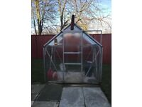 Green house in a good and functionable condition