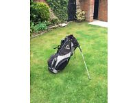 Callaway Golf carry bag, very good condition, includes rain cover